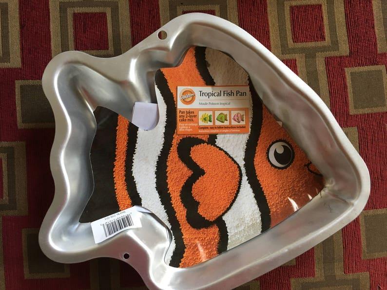 Wilton NEMO-Like /Tropical Fish Cake Pan Retired Cake Pan with Original  Insert Worldwide Shipping