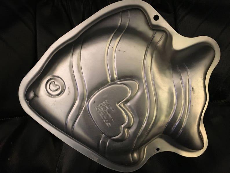 Wilton NEMO Tropical Fish Cake Pan Retired Mold Tin Worldwide Shipping