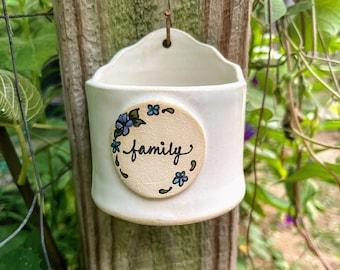 Hanging Pot: Family