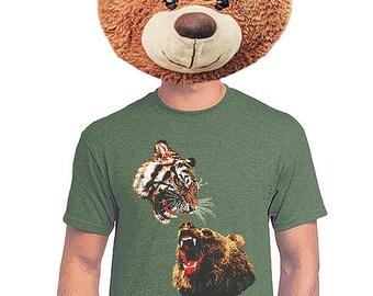 Bear Sitting by Tree Men/'s Novelty T-Shirt