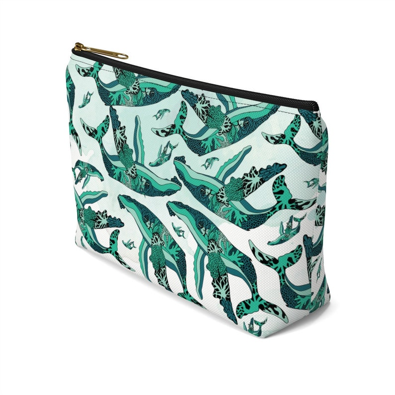 Coral Reef Humpback Whale Pattern Accessory Pouch With TBottom