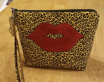 LipSense Distributor, direct sales, wrist-let  bag, purse, leopard print,  holds  21 lipsticks & additional supplies, shimmering  red lips