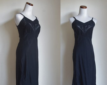 Vintage Black Slip, 50s 60s Slip, Lace Slip, Vintage Lingere, Black Lingere, Black Negligee, Lace Lingere, Small Bust 32