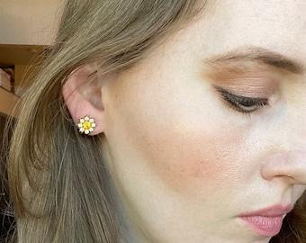 Vintage Rhinestone Flower Screw Back Earrings, Golden Yellow Flower Earrings, Gold Tone Earrings, Vintage Screwback Earrings