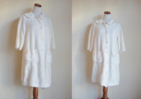Vintage Robe, 1960s Fuzzy Robe, Vintage Sleepwear,