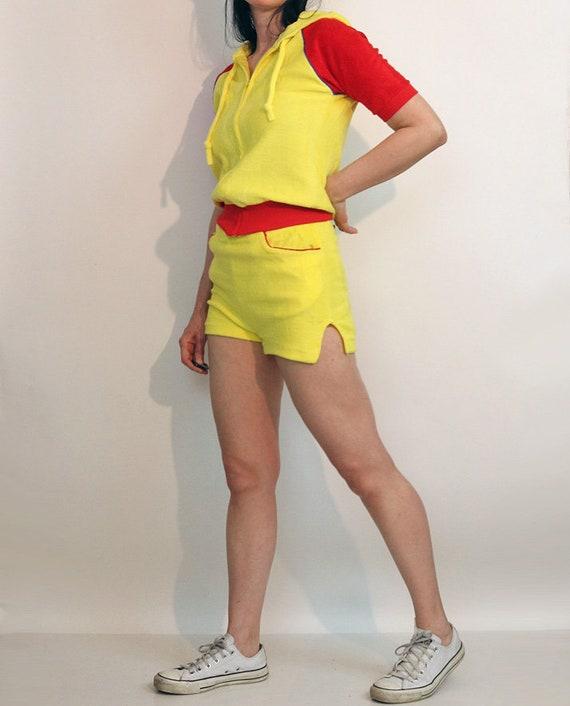 70s Color Block Shorts Set / Vintage 1970s Canary… - image 2