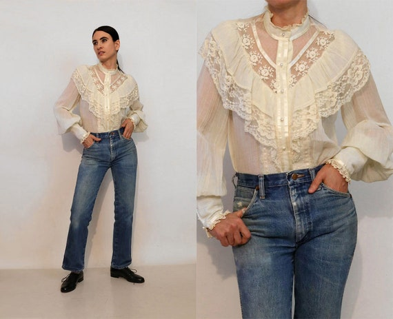 70s Ruffled Mutton Sleeve Blouse / Vintage Embroid