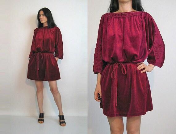 70s Velvet Cutwork Lace Dress / Vintage 1970s Maro