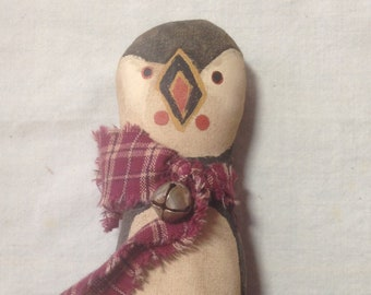 Primitive Puffin Ornament Bowl Filler Ornie Grungy