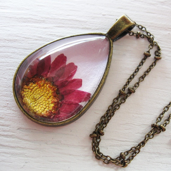 Real Pressed Flower Necklace - Purple Daisy Botanical Teardrop Necklace