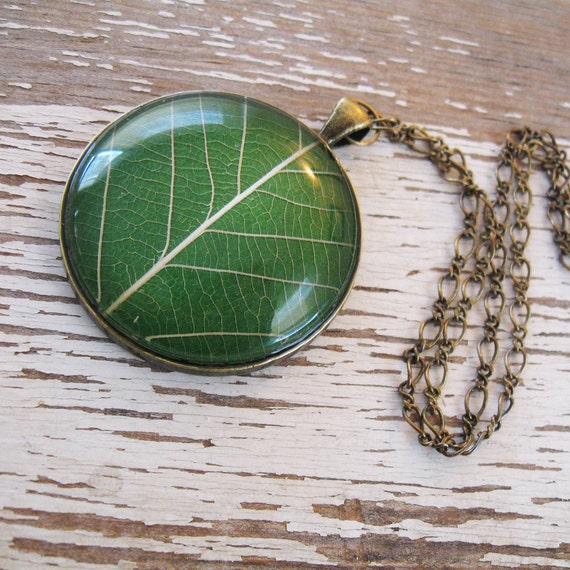 Grass Green Leaf Necklace