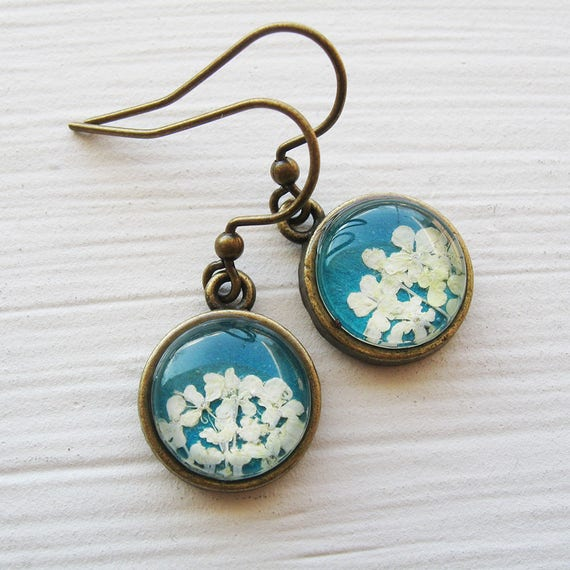 Real Pressed Flower Earrings - Tiny Round Real Queen Annes Lace Earrings - White and Turquoise