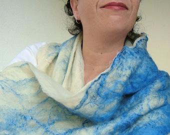 cobweb felted scarf -white night-