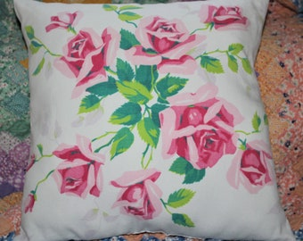 Vintage Wilendur Pink Princess Roses 1950/'s Farmhouse Tablecloth Throw Pillow