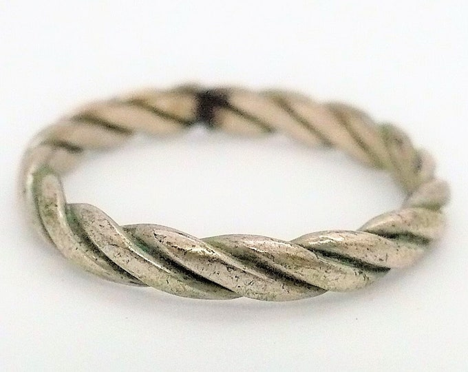 sz 7 Flat Twist Stackable Sterling Silver Band Ring