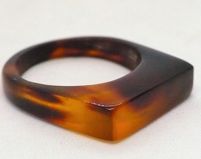 sz 5 3/4 Vintage Simulated Turtle Shell Signet Ring