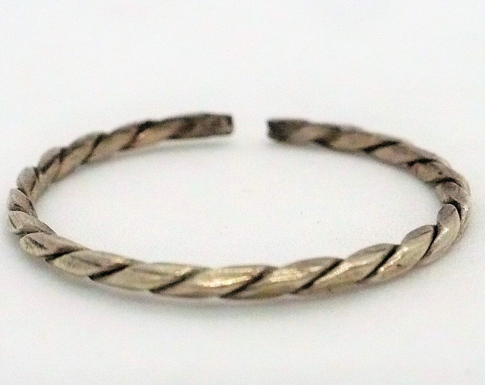sz 8 1/4 Refined Twisted Silver Stack Ring Vintage Jewelry