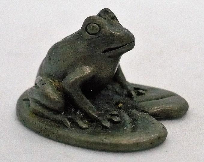 Sweet Vintage Cuteri Pewter Frog on Lily Pad Miniature Figurine