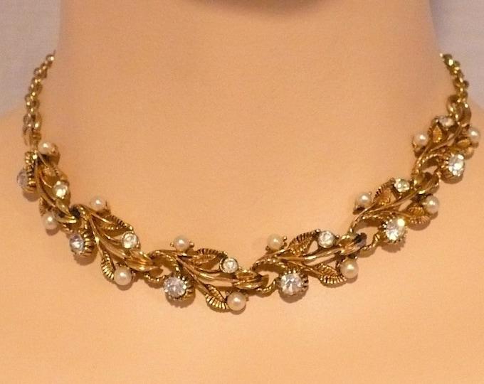 Elegant Gold Tone Rhinestone Pearl Vintage Necklace