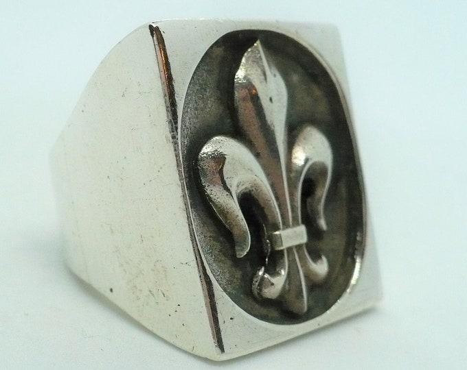 Fleurs de Lis Silver Vintage Signet Ring Size 9 1/2