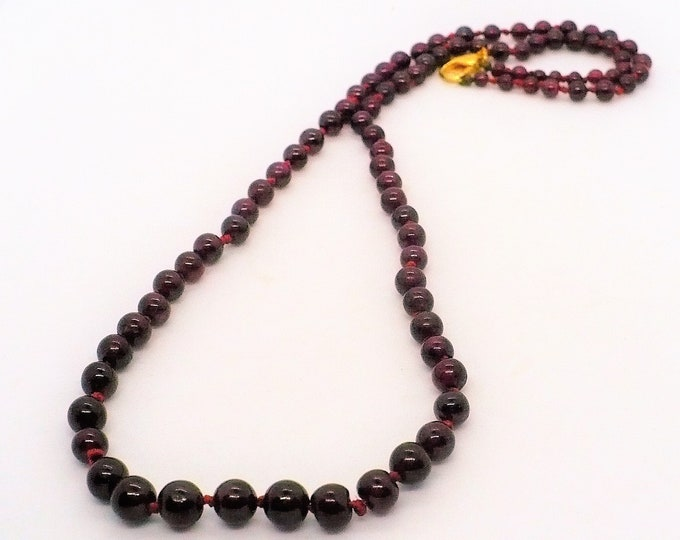 Red Garnet Graduated Bead Necklace 20 inch