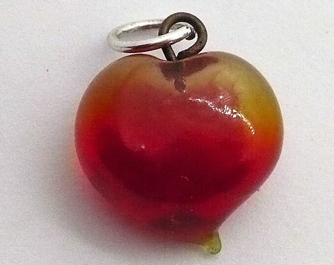 Small Vintage Plump Glass Heart Pendant