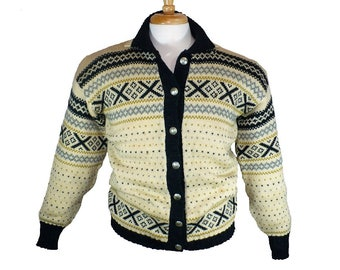 M Men's Vintage Wool Cardigan Cowichan Sweater Moose Buttons Button Down Sweater Medium