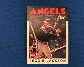 1986 Topps #700 Reggie Jackson Angels Baseball HOF Trading Card Vintage Sports Memorabilia Collectibles
