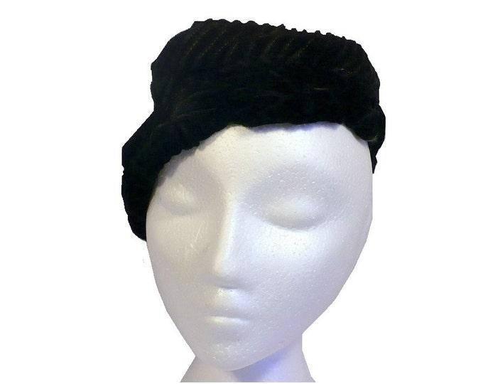 1930's Vintage Vamp Black Silk Velvet Calot Hat