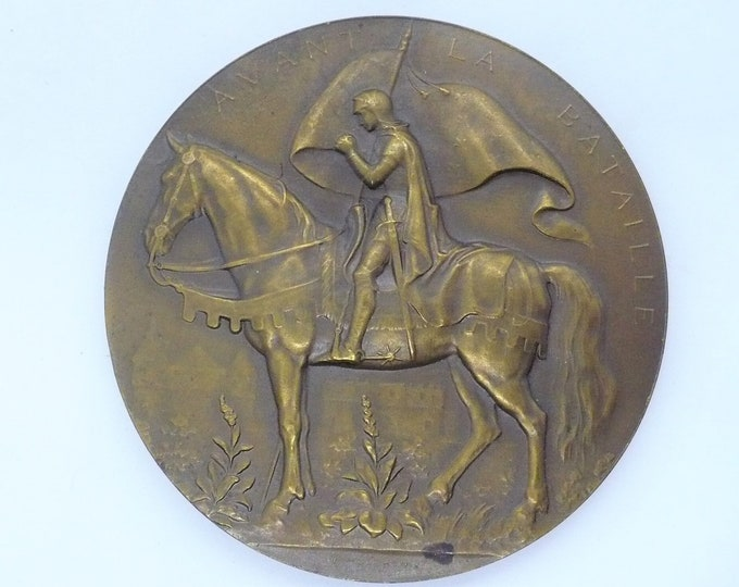 1899 French medal issued for the Avant La Bataille, engraved by L.E. Mouchon