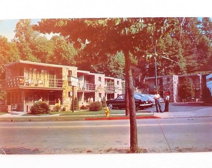 1952 Cooper Court Motel Gatlinburg Tennessee Vintage Advertising Postcard Posted