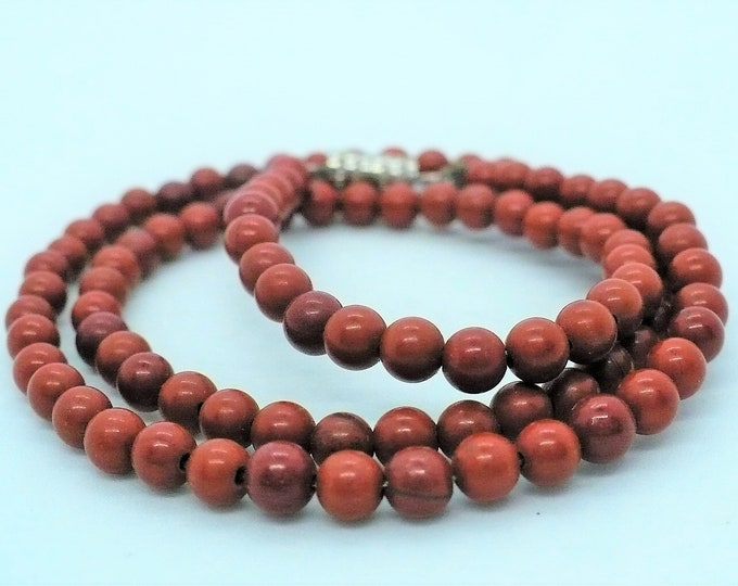 Red Jasper Vintage Bead Choker Necklace 15 inch