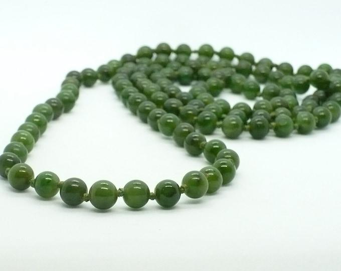 Green Jade Nephrite Gemstone Bead Necklace 40 inch