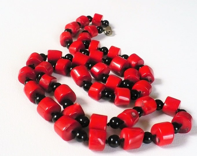 Red Coral Onyx Bead Necklace 34 inch