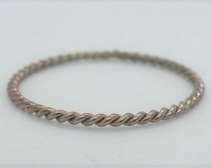 sz 7 3/4 Rounded Twist Stackable Sterling Silver Band Ring
