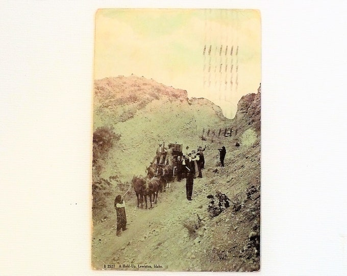 1909 Highwaymen Wild West Stagecoach Robbery Hold-Up Lewiston Idaho Vintage Postcard Posted