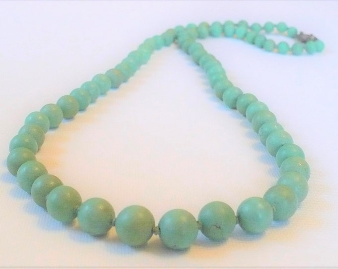 Vintage Natural Chinese Turquoise Graduated Bead Necklace 25 inch
