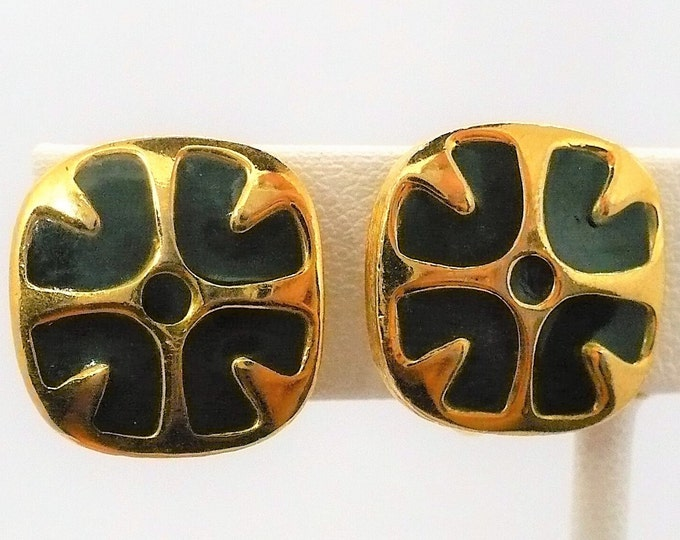 Green Givenchy Paris New York Vintage Gold Tone Clip On Earrings