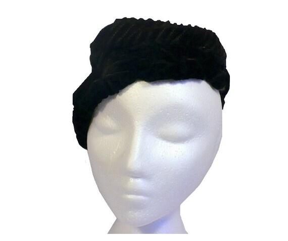 Coy Calot 1930's Vintage Vamp Hat Black Silk Velve
