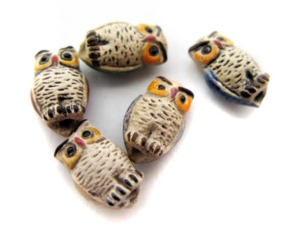 4 Tiny mixed Owl Beads - CB66