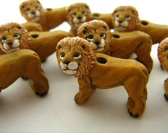10 Large Lion Beads - LG101