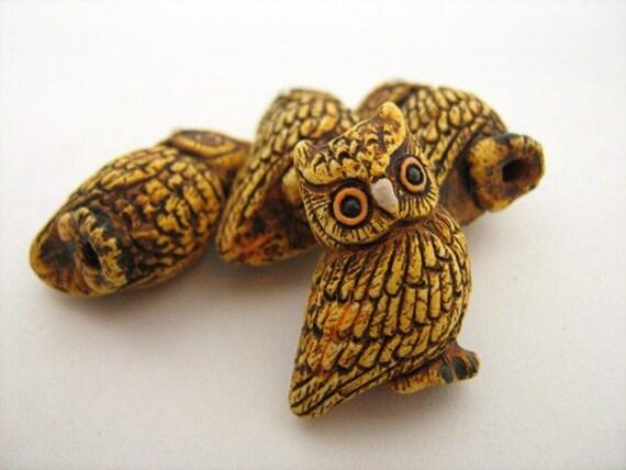 4 Large Owl Beads - LG272