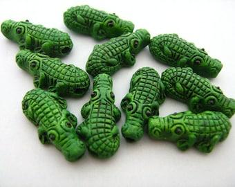 4 Tiny Alligator Beads - CB57