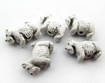 4 Tiny Scotty Dog Beads - white - CB151