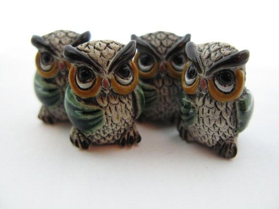 4 Large Owl Beads - green wings - LG460