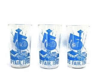 Vintage Collectible Glassware  / 1960s Seattle Worlds Fair Drinking Glasses  /  Space Needle Souvenir  /  Seattle Washington Memoribilia