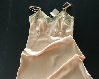 Vintage Heiress Pale Peachy Tan Slip size 36