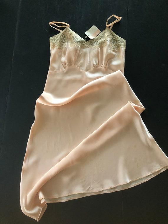 Luscious Peach Slip Ecru Lace, Vintage Textron Siz