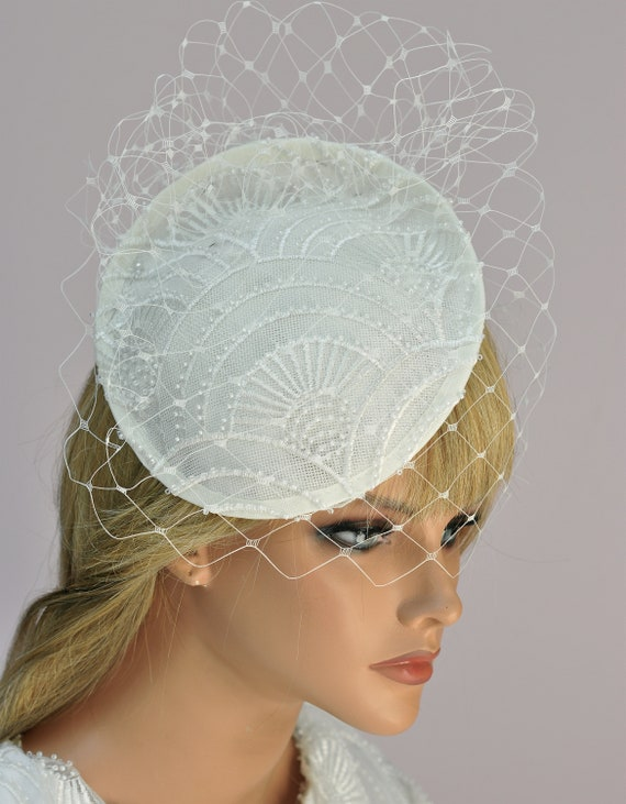 Bridal Headpiece, Wedding Fascinator Hat, Ivory Fascinator Hat, with Veil, Kentucky Derby Hat, Formal Hat, Special Occasion Hat ,Ascot Hat