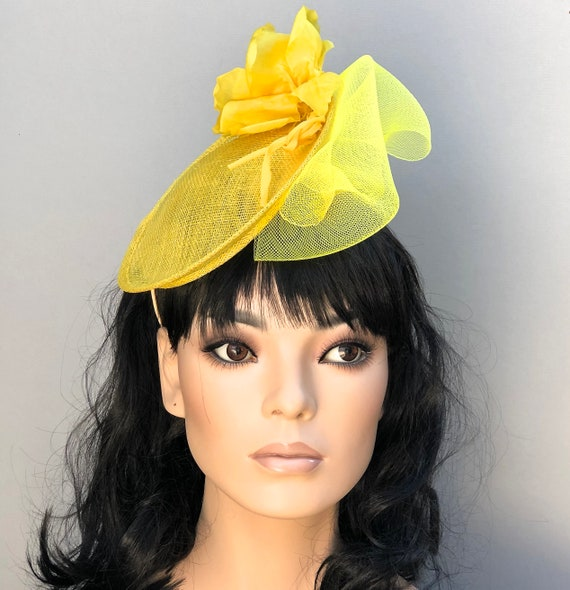 Kentucky Derby Hat, Women's Formal Yellow Hat, Ladies Yellow Fascinator Hat, Kate Middleton Hat, Special Occasion hat, Ascot Saucer Hat